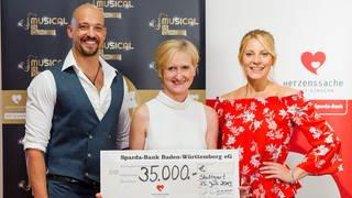 Scheckübergabe Musical in Concert  (Foto: SWR)