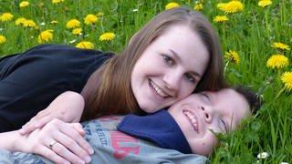 Maria und Bruder Robin (Foto: SWR)