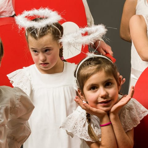 Kinder eines Herzenssache-Projekts (Foto: Carsten Costard)